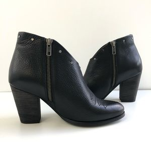 Ariat Shoes - Ariat Unbridled Kaelyn Western Leather Booties 6